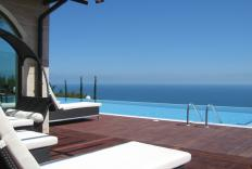 Four bedroom villa in BlackSeaRama. Stunning sea-views from the edge of the cliff!