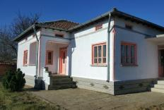 Lovely cottage not far from the Bulgarian coast with plenty of land