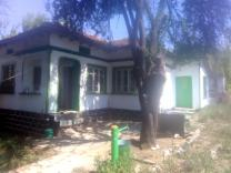 Well presented cottage for sale in Bulgaria with land and garage