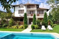 Romantic villa with exceptional gardens, newly refurbished