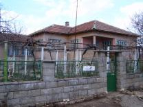 House with large plot near Kavarna
